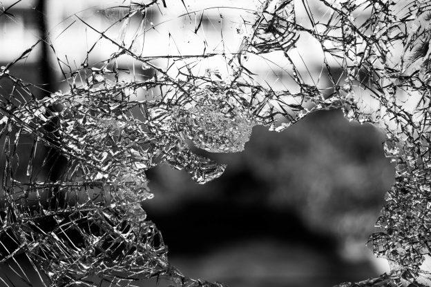 Selvmordsadfærd bland ofre for fysisk og seksuelle overfald.